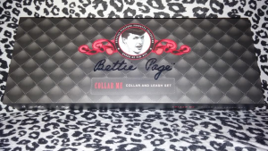 BETTIE PAGE COLLAR ME 1