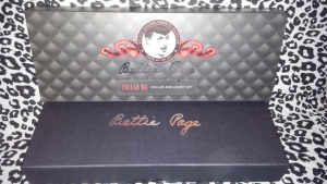 BETTIE PAGE COLLAR ME 3