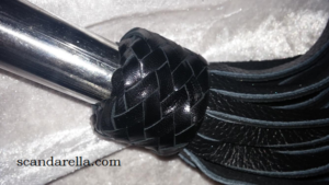 ZADOLEATHER WHIP 7