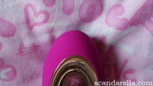 LELO Alia External Massager Review, close up of the Alia's tip
