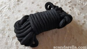Scandarella's Paloqueth Bondage Set Review, image showing a coiled bunch of soft, black rope